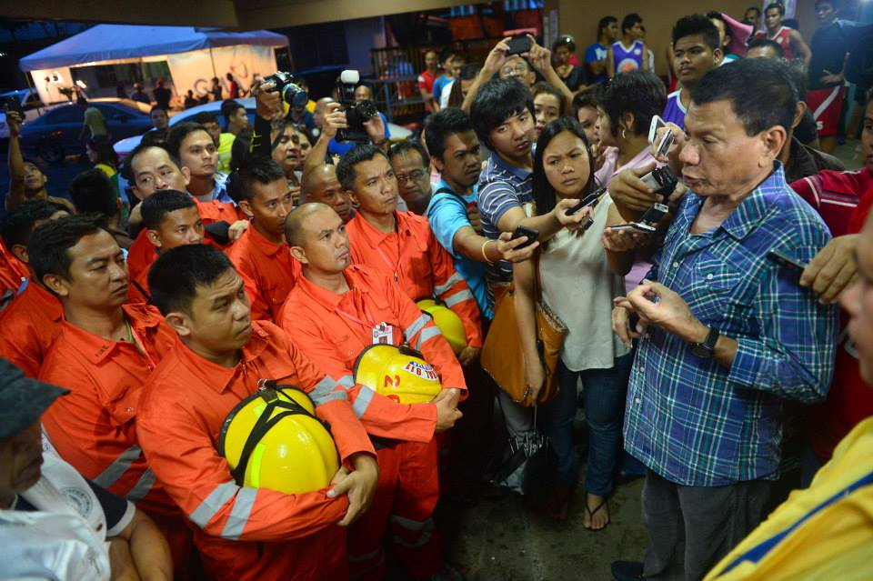 Sending off aid workers bound for Yolanda areas
